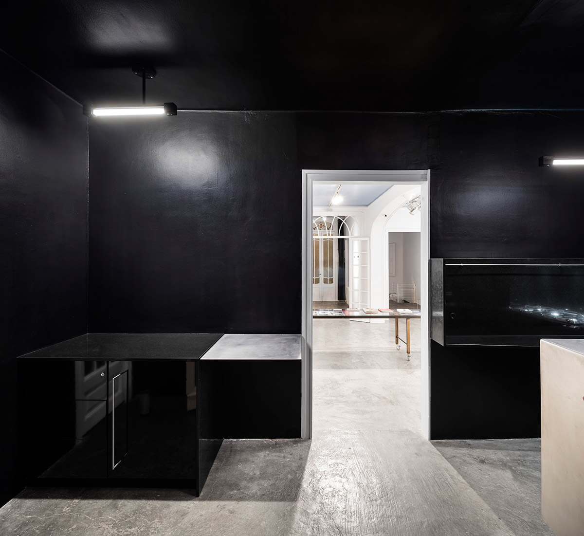 reforma_cocina_cuina_barcelona_gracia_galeria_art_arte_kitchen_renovation_refurbishment_negra_black_proyecto_projecte_interiorismo_interiorisme_pinterest_6